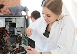 Számítógép-szerelő, -karbantartó tanfolyam
