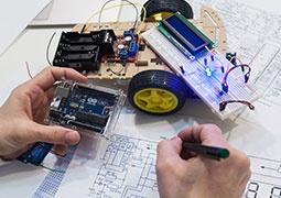 IoT tanfolyamok (Internet of Things)